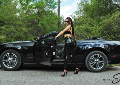 Mustang_Black_Latexleggins