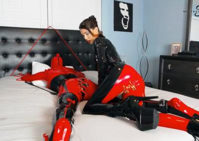Red_Rubberdoll_Ridingcatsuit_Feeldoe_Webcam